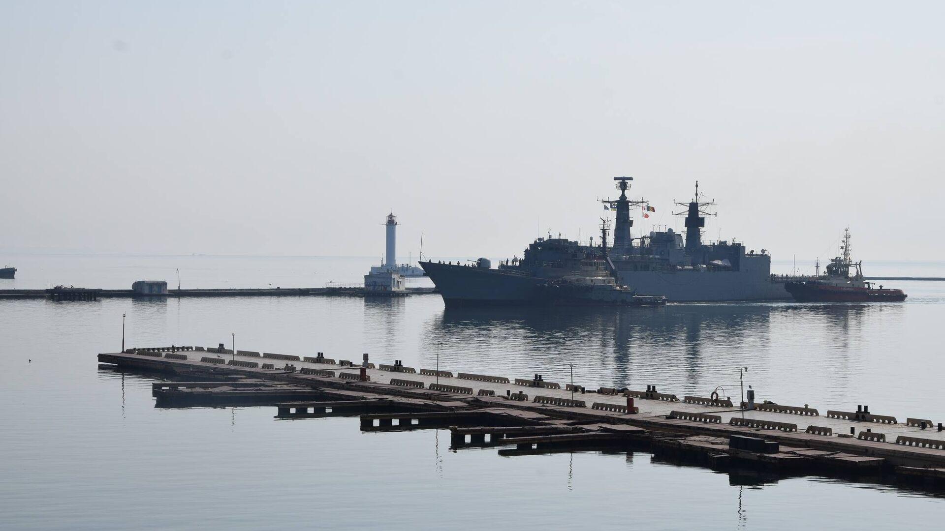 Корабли военно-морской группы НАТО в порту Одессы - РИА Новости, 1920, 27.08.2020