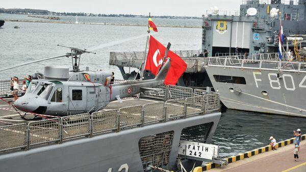 Группа кораблей НАТО в порту Одессы