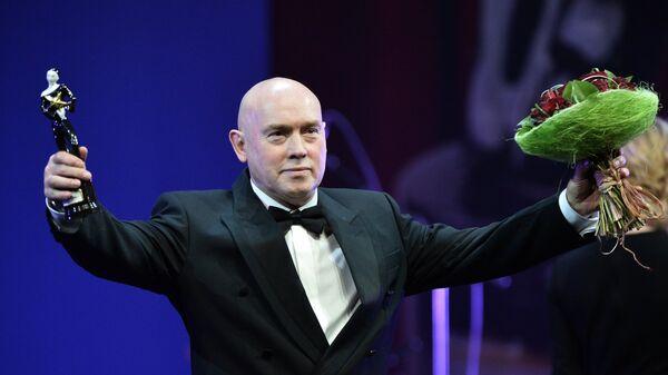 Народный артист России Виктор Сухоруков, получивший награду в номинации Лучшая мужская роль второго плана