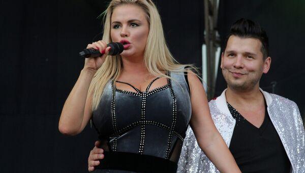 Денис Майданов и Анна Семенович на концерте в Луганске. 27 июля 2018 год