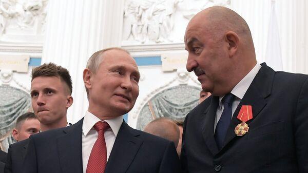 Церемония вручения президентом РФ В. Путиным госнаград членам сборной России по футболу