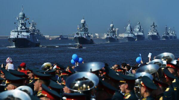 Корабли ВМФ России на главном военно-морском параде в Кронштадте