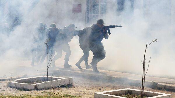 Учения на 201-й российской военной базе в Таджикистане