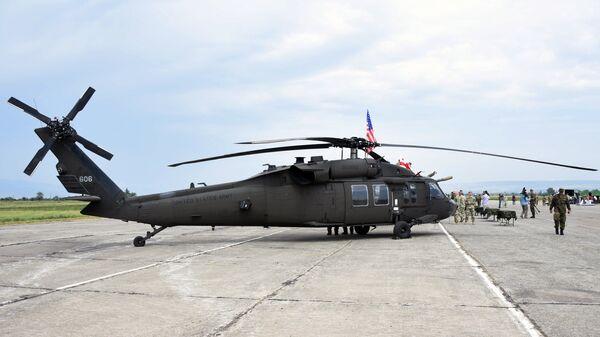 Американский военный вертолет Sikorsky UH-60 Black Hawk