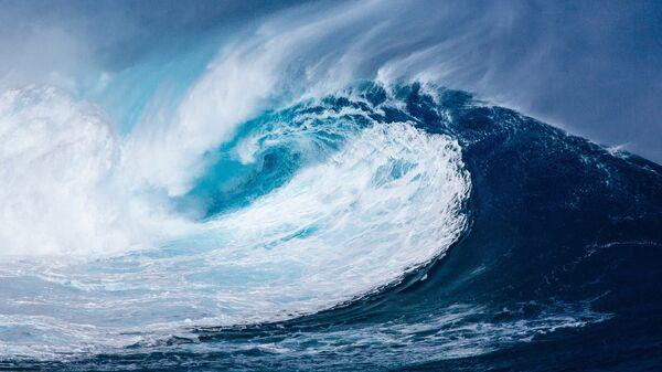 Волна в Атлантическом океане