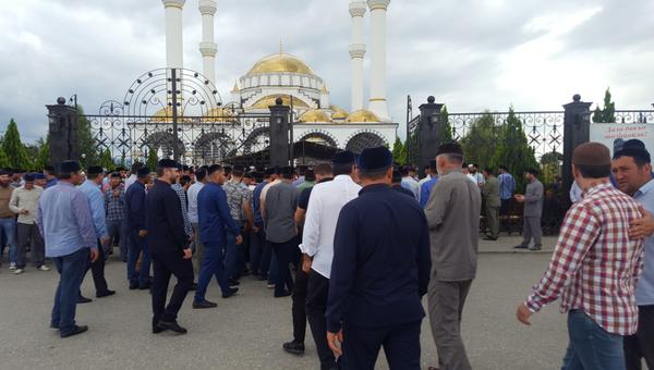 Похороны Юсупа Темирханова в Гелдагане. 4 августа 2018