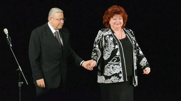 Вечер юмора Евгения Петросяна и Елены Степаненко