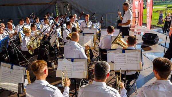 Выступление оркестра ВМФ России. Архивное фото