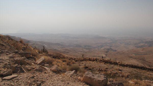 Вид на Иорданскую долину с горы Нево, где погребен пророк Моисей