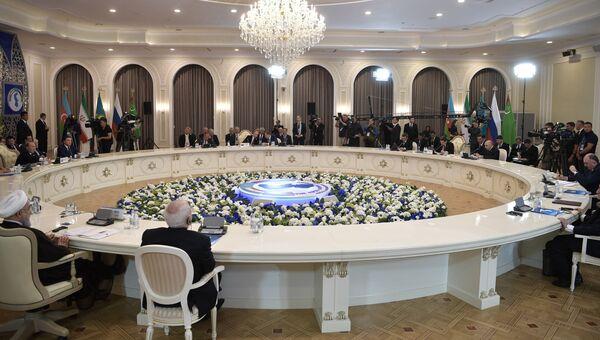 Президент РФ Владимир Путин на саммите глав государств-участников V Каспийского саммита в Актау. 12 августа 2018