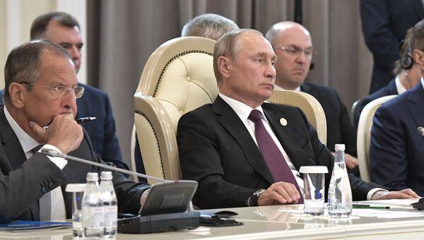 Владимир Путин на встрече глав государств-участников V Каспийского саммита в Актау. 12 августа 2018