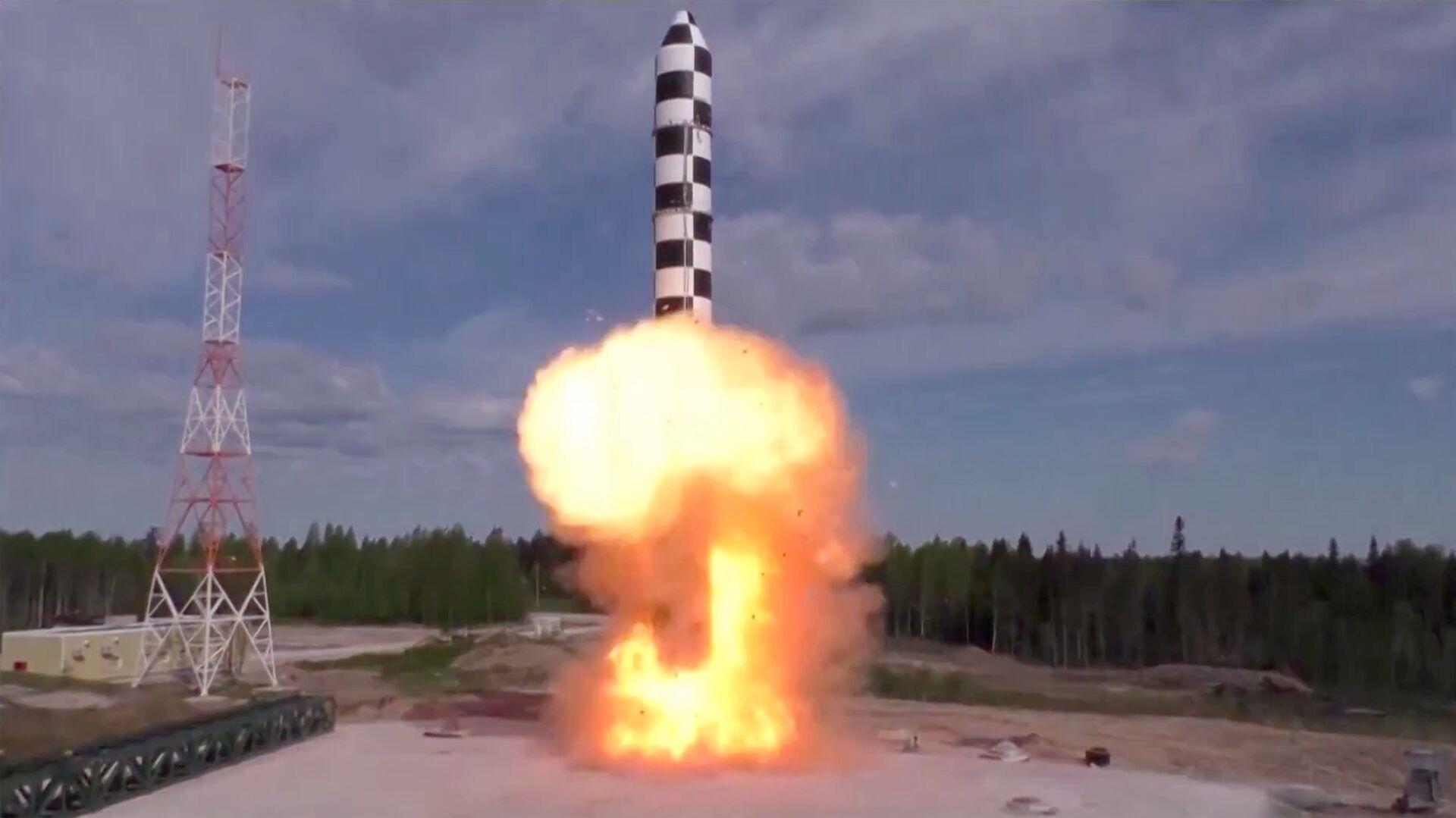 Испытание новой баллистической ракеты Сармат - РИА Новости, 1920, 21.05.2020