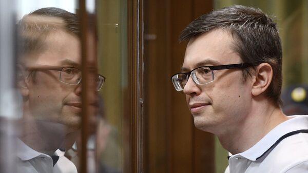 Бывший первый заместитель руководителя столичного главка СК России Денис Никандров во время оглашения приговора в Московском городском суде. 16 августа 2018