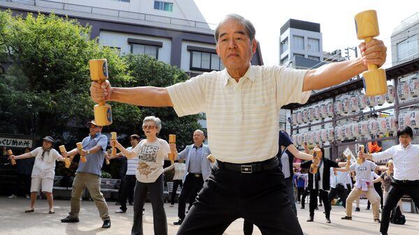Пожилые японцы в Токио