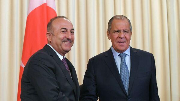 Министр иностранных дел РФ Сергей Лавров и министр иностранных дел Турции Мевлют Чавушоглу на пресс-конференци по итогам переговоров. 24 августа 2018