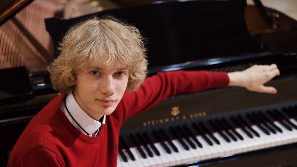 Российский пианист Иван Бессонов