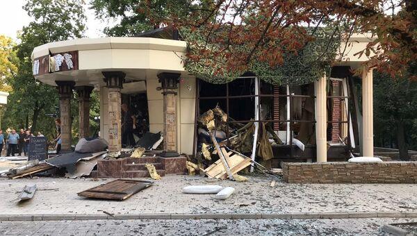 На месте взрыва в кафе Сепар в Донецке