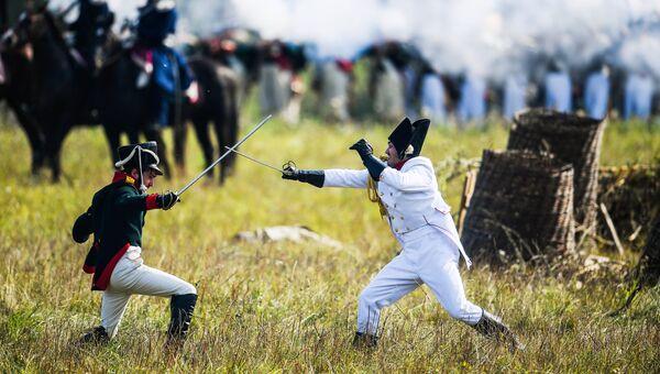 Участники военно-исторической реконструкции Бородинского сражения на международном военно-историческом фестивале День Бородина – 2018