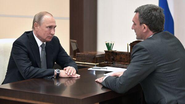 Президент РФ В. Путин встретился с врио губернатора Амурской области В. Орловым