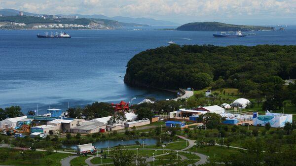 Вид на павильоны выставки Улица Дальнего Востока в рамках Восточного экономического форума во Владивостоке