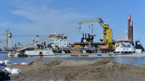 Строительство завода по сжижению природного газа (СПГ) и причалов для отгрузки СПГ и газового конденсата порта Сабетта на Ямале. Архивное фото