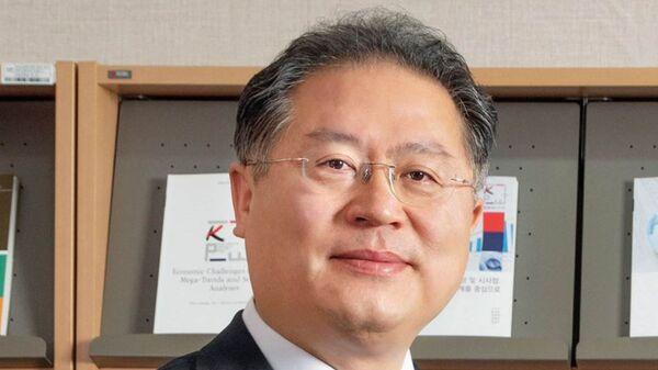 Президент Корейского института международной экономической политики Ли Чжэ Ён