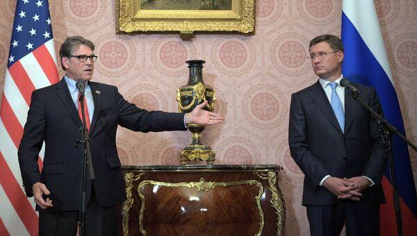 Министр энергетики США Рик Перри во время совместного с министром энергетики РФ Александром Новаком подхода к прессе по итогам встречи в Москве. 13 сентября 2018