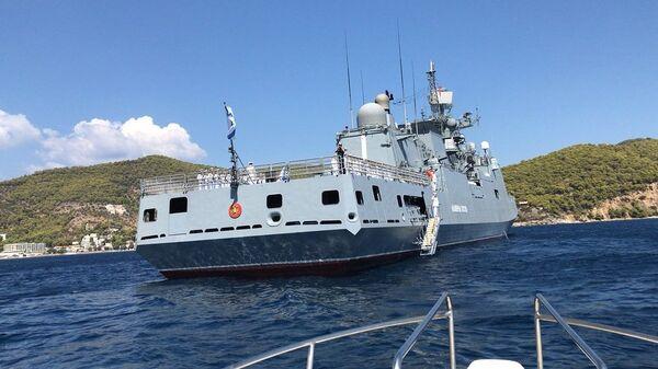 Сторожевой корабль Адмирал Эссен Черноморского флота ВМФ РФ