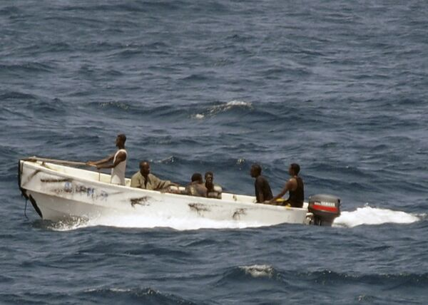 Сомалийские пираты, захватившие судно Фаина