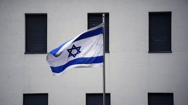 Флаг на здании посольства Израиля в Москве