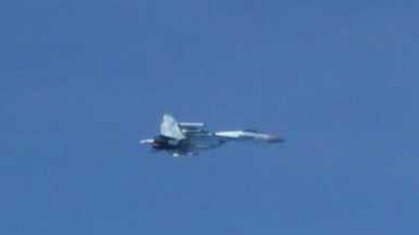 Истребитель Су-27 над Японским морем. 19 сентября 2018