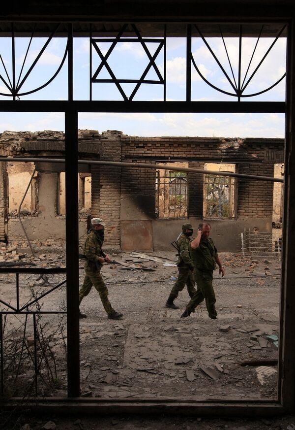 Военные в зоне грузино-осетинского конфликта. Архив