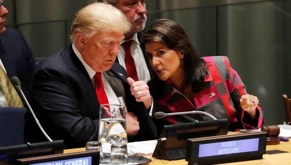 Президент США Дональд Трамп и постпред США при ООН Никки Хейли во время Генассамблеи ООН в Нью-Йорке