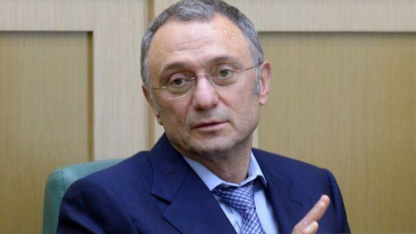 Член комитета СФ по регламенту и организации парламентской деятельности Сулейман Керимов на первом заседании осенней сессии Совета Федерации РФ. 26 сентября 2018
