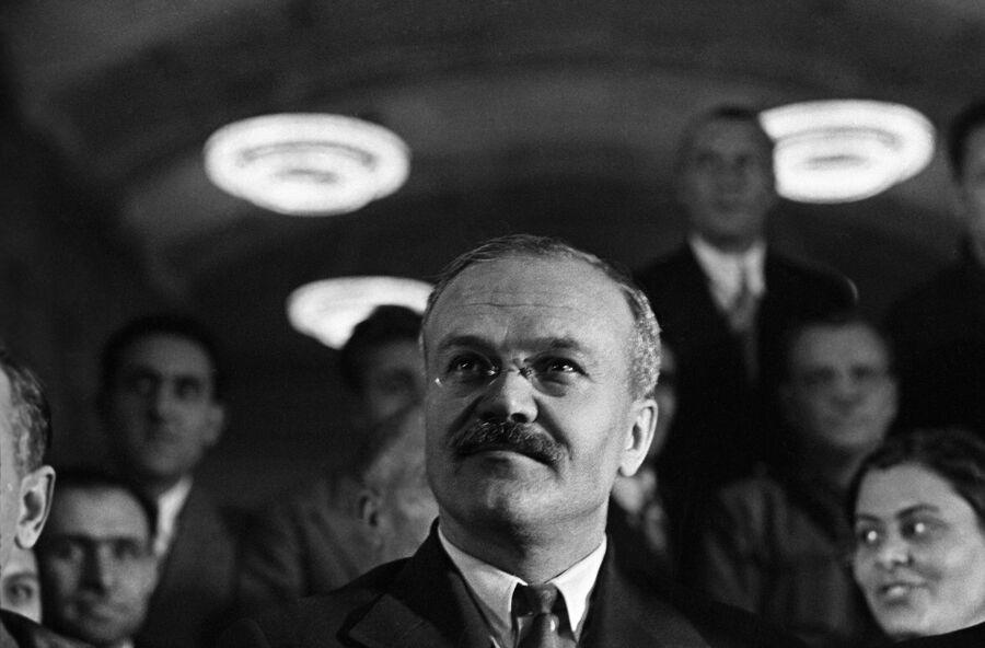 Председатель Совета Народных Комиссаров СССР Вячеслав Михайлович Молотов