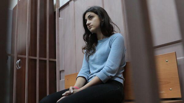 Крестина Хачатурян в зале Басманного суда Москвы. 27 сентября 2018