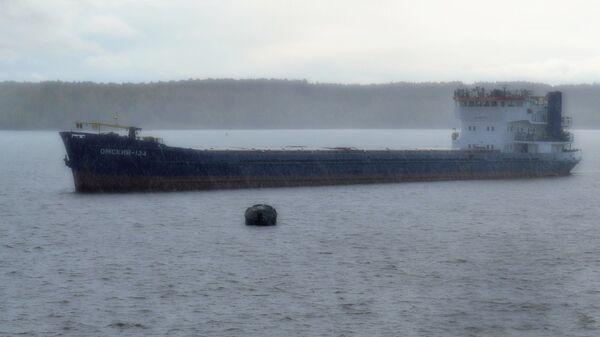Сухогруз Омский-134 в Вытегорском водохранилище Вологодской области