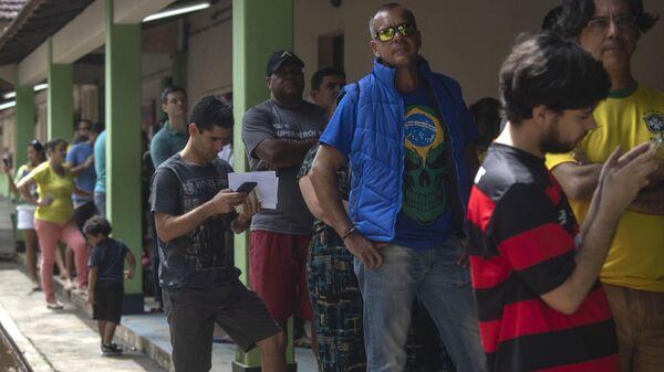 Очередь во время выборов в Рио-де-Жанейро