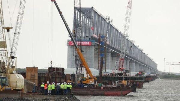 Строительство моста Нижнеленинское – Тунцзян. Архивное фото