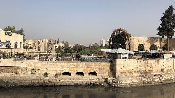 Набережная реки Оронт в городе Хама
