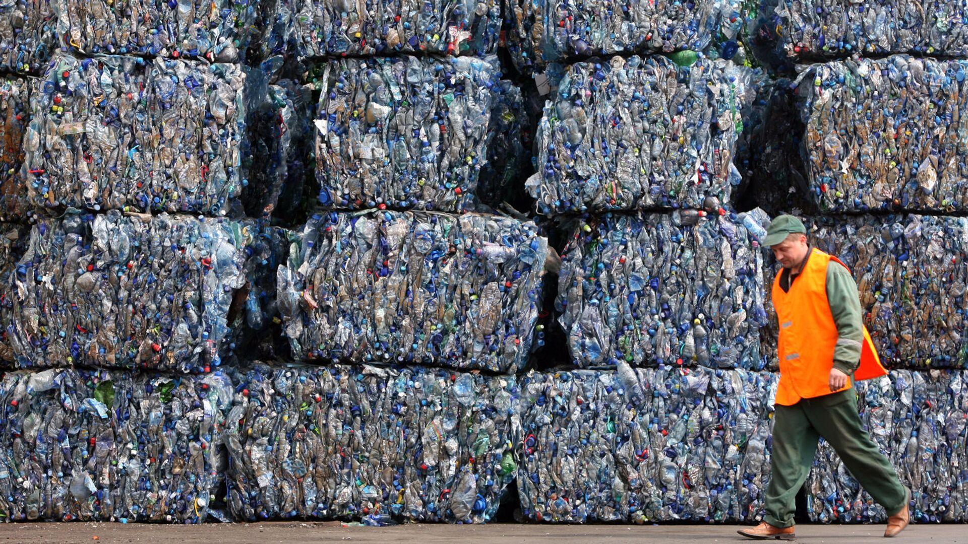 Мир без пластика: чем страшны пакеты и стаканчики, и как без них обойтись? - РИА Новости, 1920, 18.10.2020