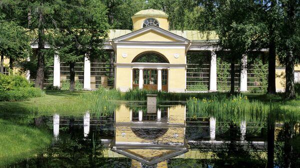 Государственный музей-заповедник Павловск - бывшая загородная резиденция русских царей.