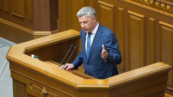 Депутат Юрий Бойко выступает на заседании Верховной рады Украины