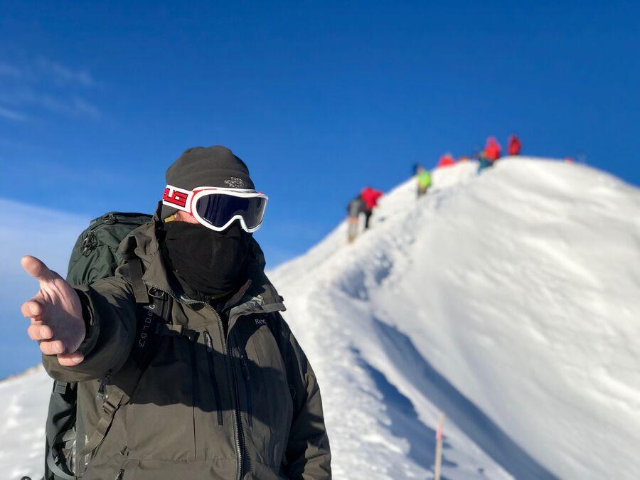 Эльбрус. До вершины последние 30 метров. Август 2018