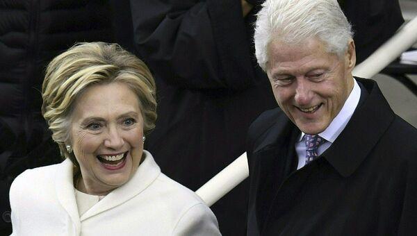 Хиллари и Билл Клинтон. Архивное фото