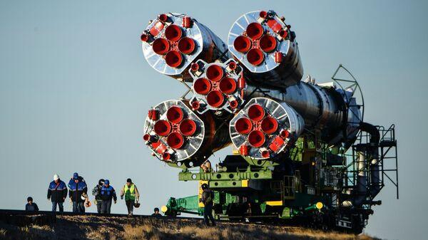 Вывоз ракеты-носителя Союз-ФГ. Архивное фото