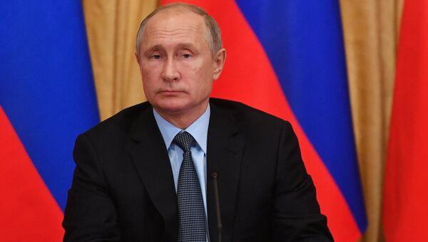 Президент РФ Владимир Путин проводит в Ханты-Мансийске выездное заседание Совета при президенте РФ по межнациональным отношениям