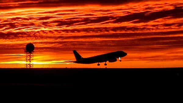 Самолет на взлете