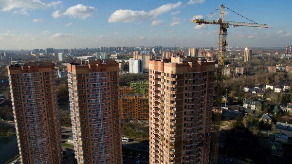 Строительство жилых домов на Ленинском проспекте в городе Химки в Подмосковье. Архивное фото