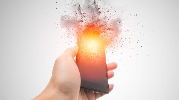 Взрыв смартфона. Архивное фото